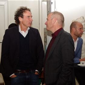 Wolkersbiograaf en schrijver Onno Blom in gesprek met Hans Portengen, Directeur Bibliotheek Bollenstreek