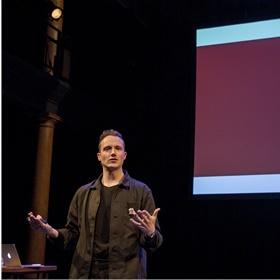 Monte Königs (Whetston): 'Millennials moesten nog hun best doen om online te komen. Generatie Z moet zijn best doen om offline te blijven.'