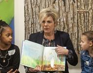 Prinses Laurentien opent Voorleesdagen