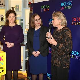 Winnie Sorgdrager toonde zich erg blij met de samenwerking met de Boekenbon en daardoor met de boekverkopers van Nederland. 'Het gaat ons er allebei om zoveel mogelijk mensen te stimuleren tot het lezen van boeken. De verbinding met de Boekenbon voelt daarom voor ons heel natuurlijk.'