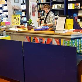 Creatieve oplossing bij De Nieuwe Boekhandel: Monique Burger en haar Boekenschep