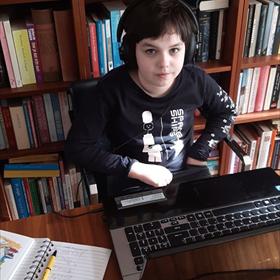 En van Martine Koelemeijer (Nieuwezijds): Mijn collega Pleun, die normaal tegenover me zit, is veranderd in mijn collega Lucas