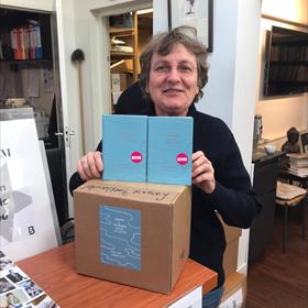 Annelies Gehring van de Larense Boekhandel