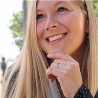 Marie-Lynn Herpoel wordt acquirerend redacteur bij Uitgeverij Vrijdag