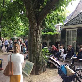 Jaap Scholten leest in Amsterdam.