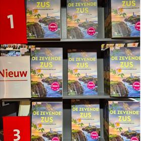 Bij Bruna Het Rond in Houten staat het boek nu al op 1, 2 én 3 van de verkooptop-10