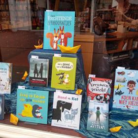 ...en constateerde dat vooral de kinderboeken zich lenen voor het Boekenweek-thema 'Tweestrijd'