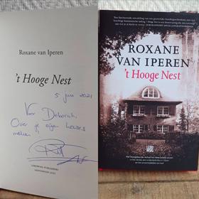 Een van de vele handtekeningen die Roxane van Iperen de afgelopen week zette. Deze is gezet bij Blokker in Heemstede.