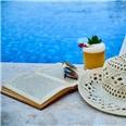 Leesonderzoek: in de zomer lezen we vaker spannende boeken