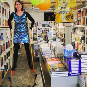 Lisa Snijders van boekhandel Stevens in Hoofddorp wil graag twee dingen worden later: zeemeermin & groot.
