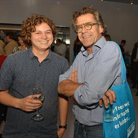 Elgar Snelders (communicatieadviseur Fonds voor Cultuurparticipatie), Fabian Stolk (docent moderne letterkunde, Universiteit Utrecht).